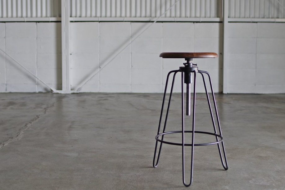 SR IRON HIGH STOOL
